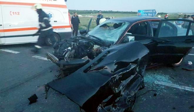 Foto: Grav accident rutier.  Cinci victime în urma unei posibile curse ilegale de maşini
