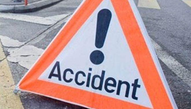 Accident cumplit de circulație: cinci morți și 32 de răniți. Un autocar s-a ciocnit cu un taxi - accident2-1543579643.jpg
