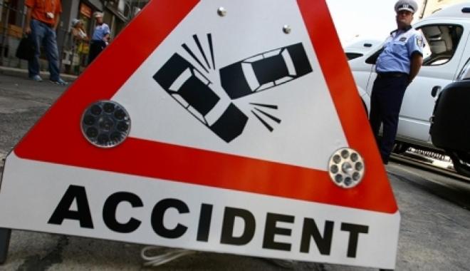 Foto: Accident rutier �n Constan�a. Victima, o �oferi��