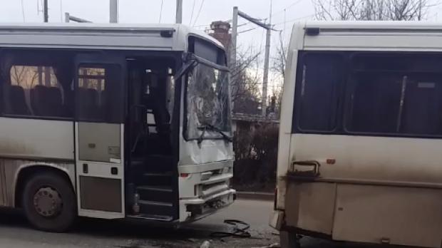Foto: ACCIDENT GRAV! Trei autobuze au fost implicate, patru victime