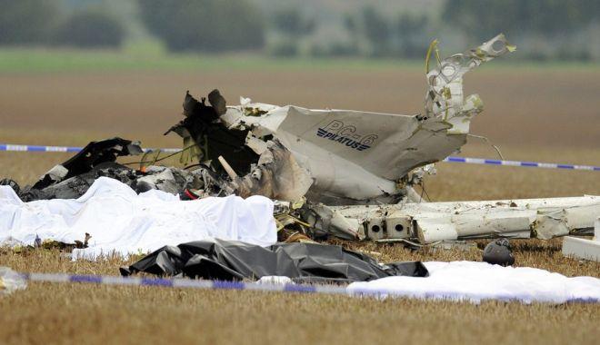 Foto: Care este starea piloţilor care s-au catapultat înainte de prăbuşirea avionului IAR 99 Şoim
