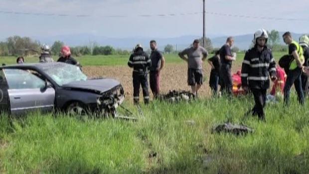 Foto: GRAV ACCIDENT RUTIER! Un şofer a murit pe loc! Soţia sa, în stare gravă