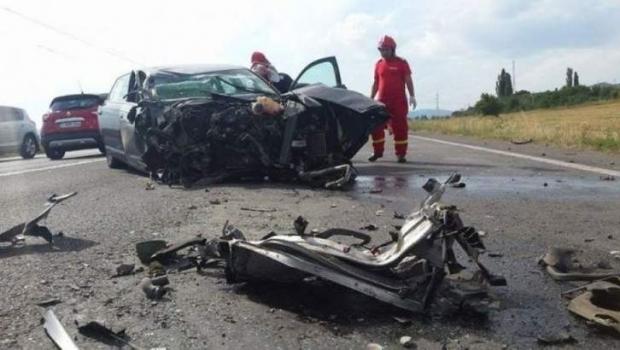 Foto: Tânăr de 19 ani, cu permisul suspendat pentru viteză, a murit într-un teribil accident