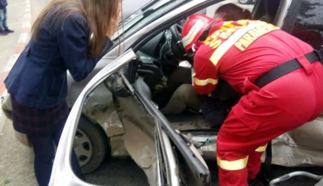 Foto: Grav accident rutier  pe bd. Aurel Vlaicu. 5 victime!