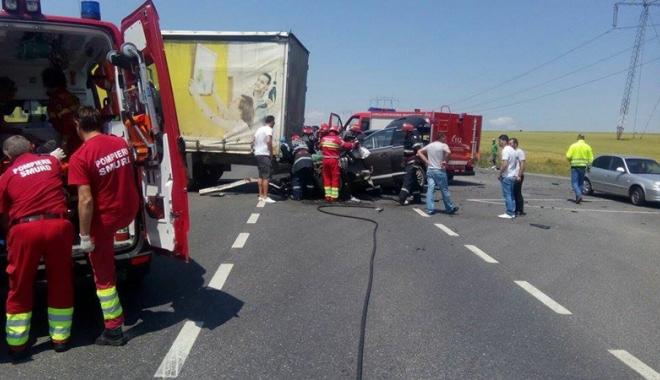 Foto: Accidente grave �n jude�ul Constan�a. �apte victime transportate la spital