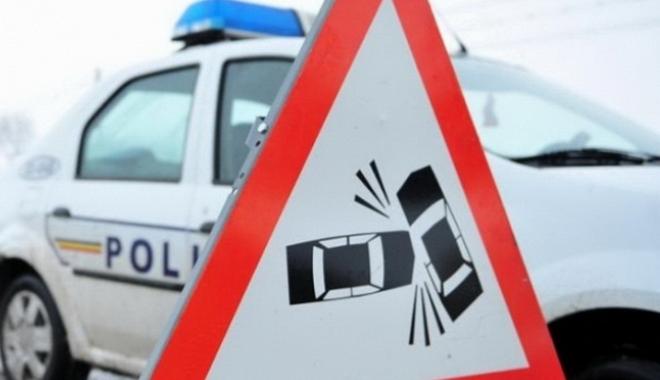 Foto: Accident cu victimă, la ieşire din Constanţa. Un autoturism a ieşit în decor