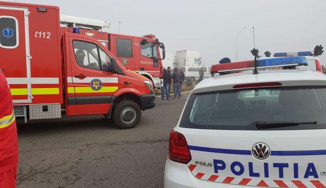 ACCIDENT LA EFORIE SUD. Au fost implicate două mașini și un TIR - accidentinlantautostradaa2isu-1623736724.jpg