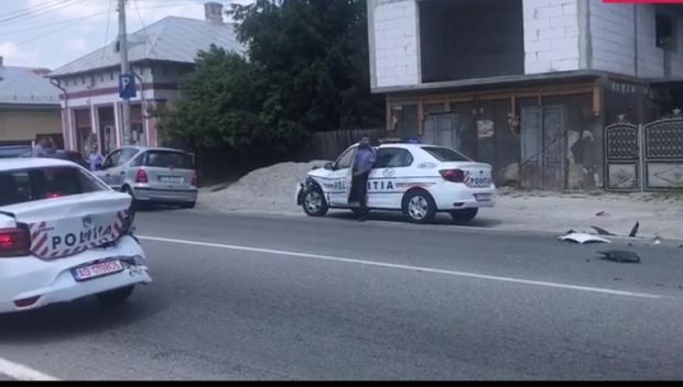 Foto: Trei maşini de poliţie, nou-nouţe, implicate într-un accident