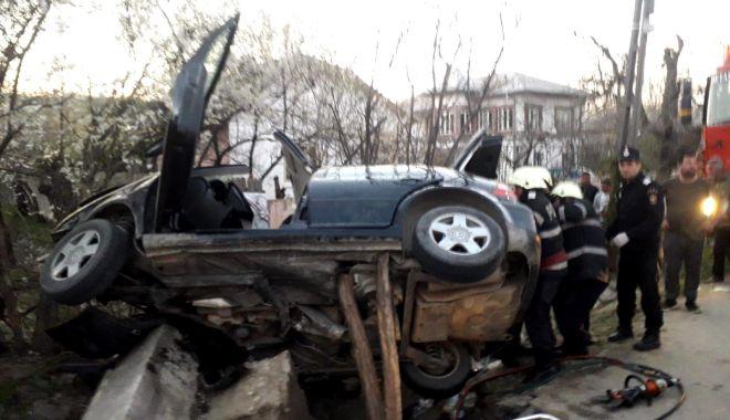Bilanțul morților a crescut la trei, după ce o mașină a lovit un cap de pod - accidentmortalcopil4anivalcea-1554211500.jpg