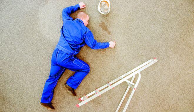 Foto: Docher accidentat la locul de muncă