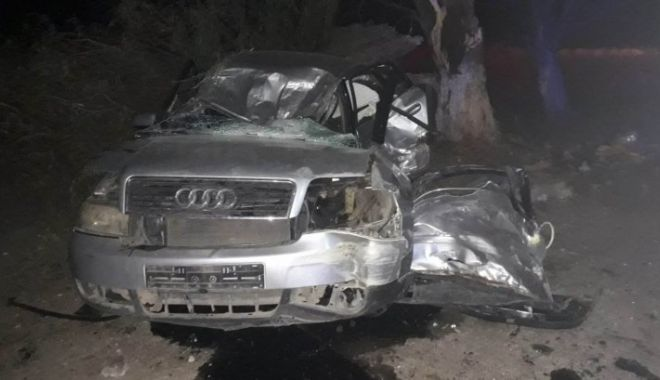 Foto: Trei victime, în urma unui accident produs de un tânăr fără permis