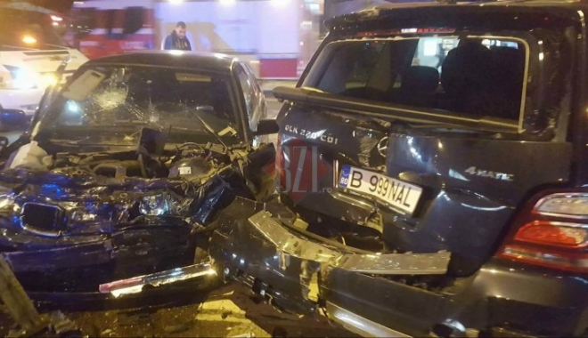 Foto: GRAV ACCIDENT RUTIER, DUPĂ CE UN BMW S-A CIOCNIT CU UN MERCEDES. CINCI VICTIME!
