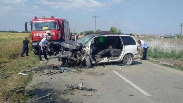 Foto: ACCIDENT CUMPLIT! Două persoane au murit, iar alte patru sunt rănite grav