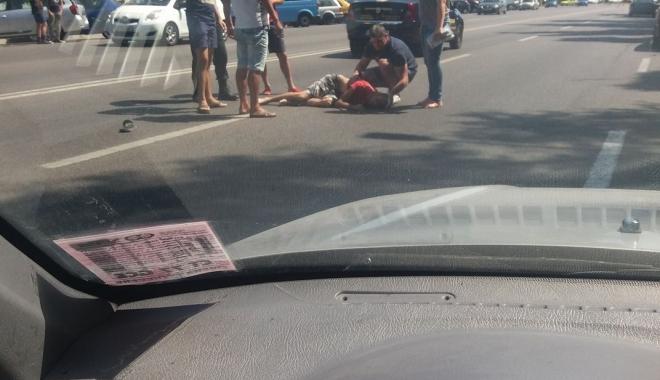 Foto: Pieton accidentat grav pe trecere de o maşina unei firme de pază