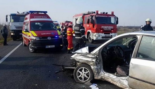 Foto: TRAGEDIE RUTIERĂ! Un copil şi doi adulţi au murit