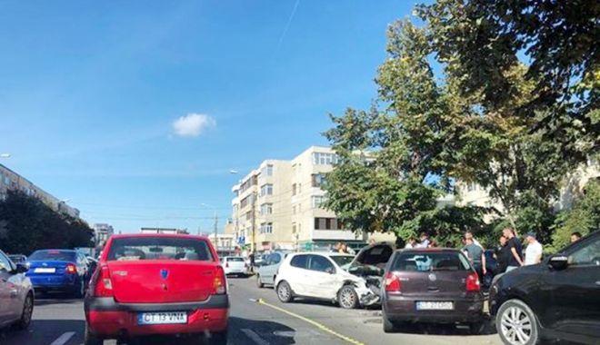 Foto: Accident rutier  la Constanţa,  după ce un şofer  nu a oprit la Stop