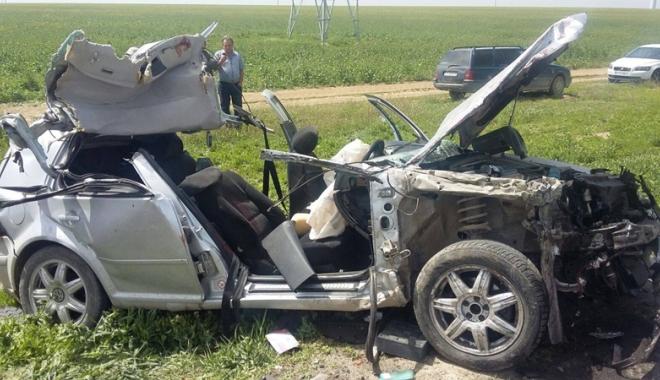 Foto: Elicopterul SMURD, în misiune. Accident rutier la Constanţa, soldat cu cinci victime