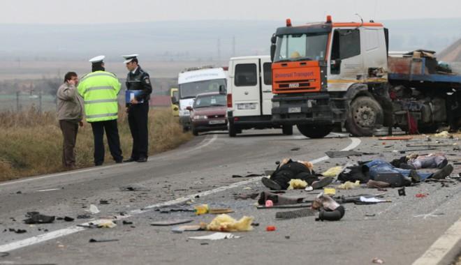 Foto: Morţii înroşesc şoselele Constanţei