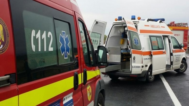 Foto: Doi pietoni răniți! Un șofer beat i-a lovit cu mașina pe trotuar