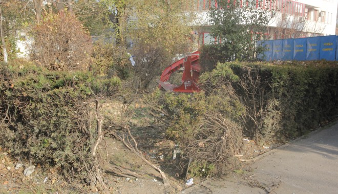 Iată ce dezastru a rămas în urma accidentului de azi-dimineață! (GALERIE FOTO) - accidentstrmircea14-1322385069.jpg