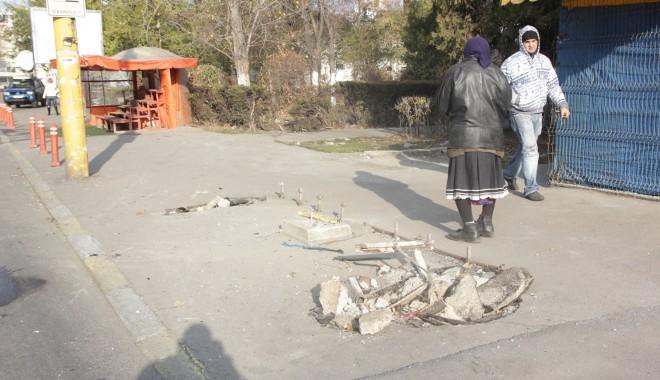 Iată ce dezastru a rămas în urma accidentului de azi-dimineață! (GALERIE FOTO) - accidentstrmircea8-1322385041.jpg