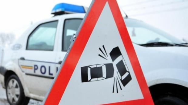 Foto: Maşină lovită de un TIR la intrare în Constanţa