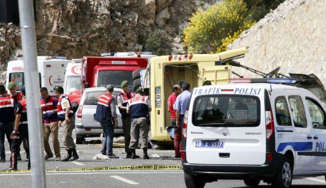 Foto: Cel puţin 22 migranţi au murit în urma unui accident rutier produs în Turcia