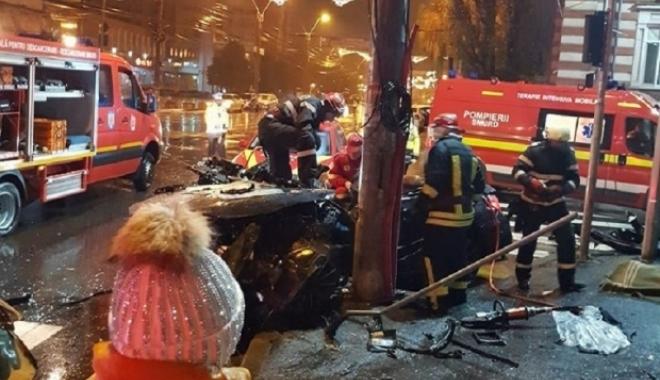 """Foto: Detalii despre tragedia rutieră soldată cu doi morţi: Şoferul """"zbura"""" pe şosea"""