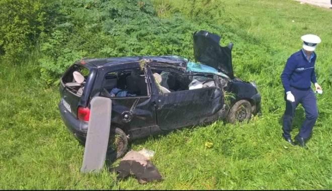 Foto: Grav accident rutier. Un bărbat a murit, iar restul familiei a ajuns în stare gravă la spital