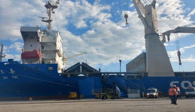 Foto: Accident de muncă pe o navă; un marinar a murit, iar altul a fost spitalizat