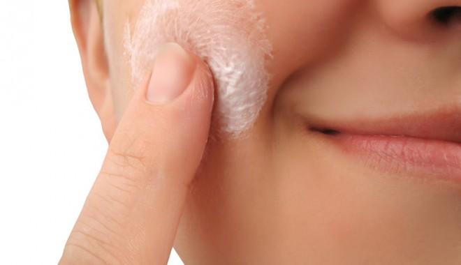 Foto: Tratează acneea cu remedii naturiste