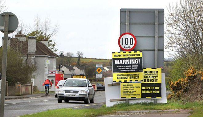 Foto: Acord iminent între Londra şi Uniunea Europeană privind frontiera irlandeză