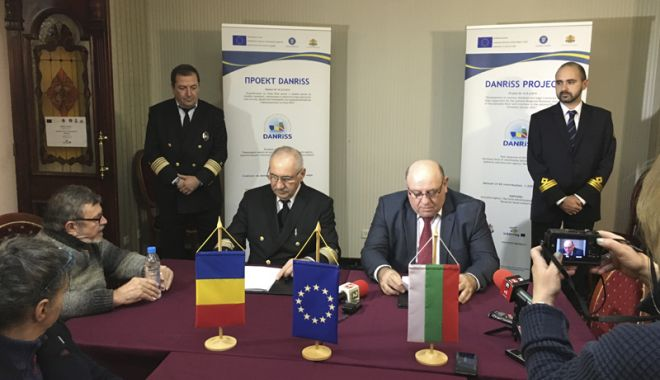 Foto: Acord româno - bulgar privind inspecțiile la nave, pe sectorul comun al Dunării