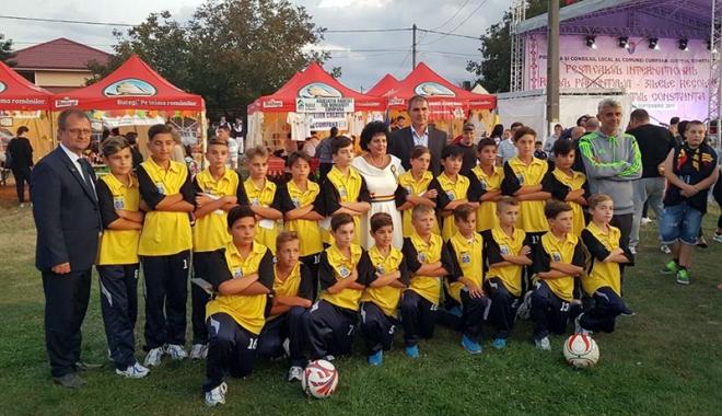 Foto: CS Victoria Cumpăna, haine noi de gală