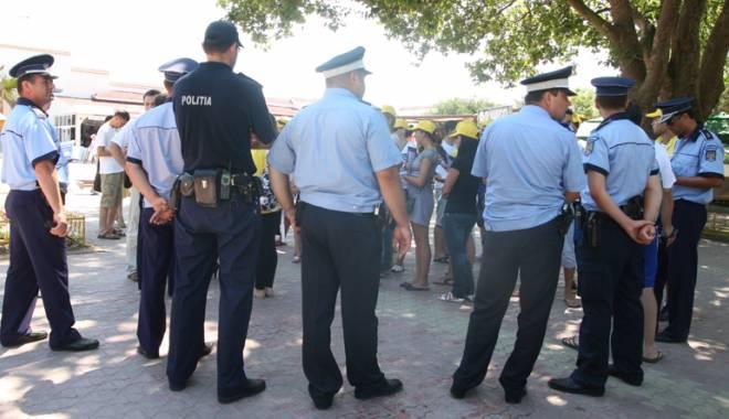 Foto: Acţiune în forţă a poliţiştilor din Constanţa. Cine le-a căzut în plasă
