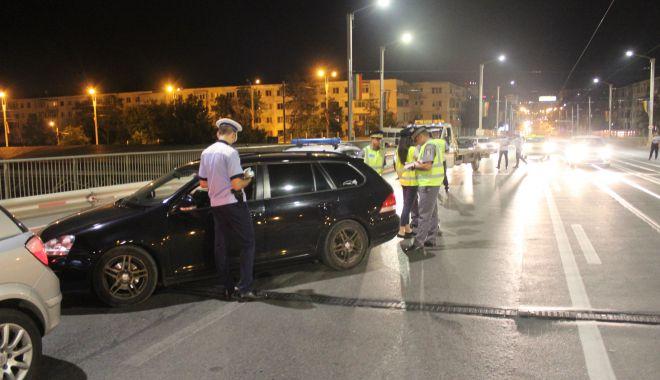 Razie în miez de noapte: peste 300 de mașini verificate, pe șoselele din Constanța - actiunerutiera-1603031754.jpg