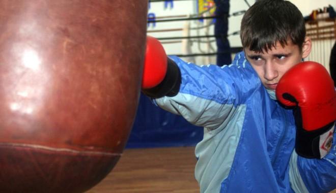 Acțiuni de selecție, la lupte și box - actiuni2-1411408838.jpg