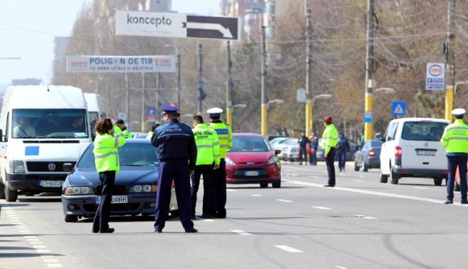 Foto: Acţiuni ale poliţiştilor constănţeni, în cooperare cu jandarmi