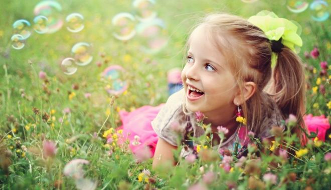 Foto: Cum arată o zi sănătoasă din viaţa unui copil