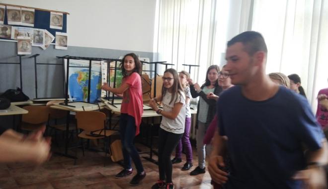 Activități comune  în aer liber cu elevi  din centrele școlare - activitaticomune-1461172455.jpg