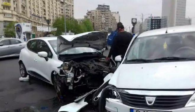 Foto: Accident GRAV în faţa Guvernului: VICTIME: Fratele lui Ludovic Orban şi soţia sa