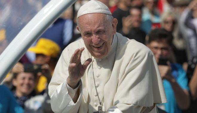 Papa Francisc a vorbit în Piața San Pietro despre vizita în țara noastră - ad1lnjeyote3nwfjnmm3ndbmywjinjvj-1559729550.jpg