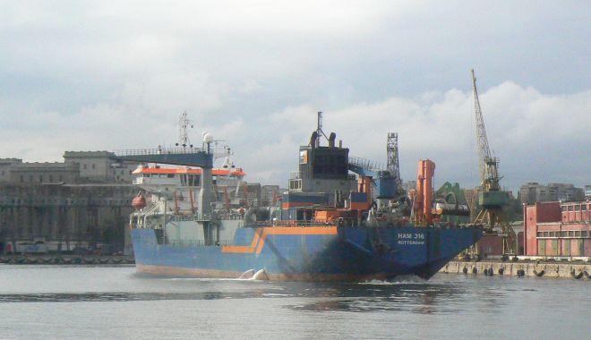 Foto: Adâncimile din portul Constanța vor crește