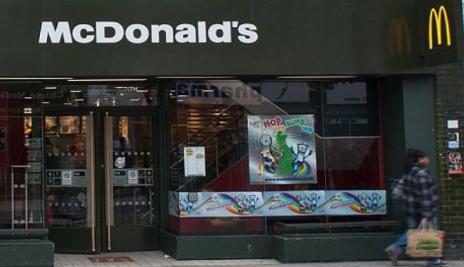 Foto: McDonald's a înlocuit JUCĂRIILE din meniuri cu CĂRŢI, în Marea Britanie