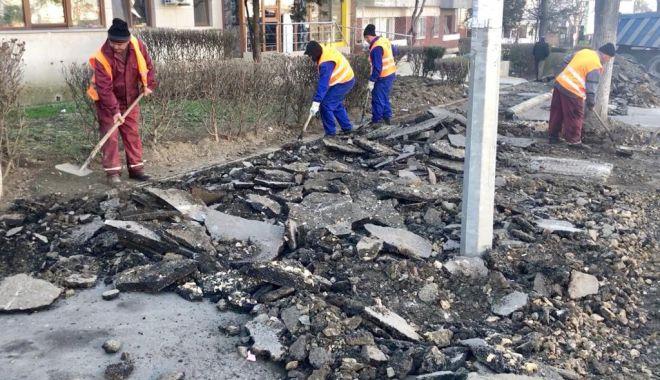 Foto: Administrația locală a reluat lucrările la trotuarele de pe Tomis