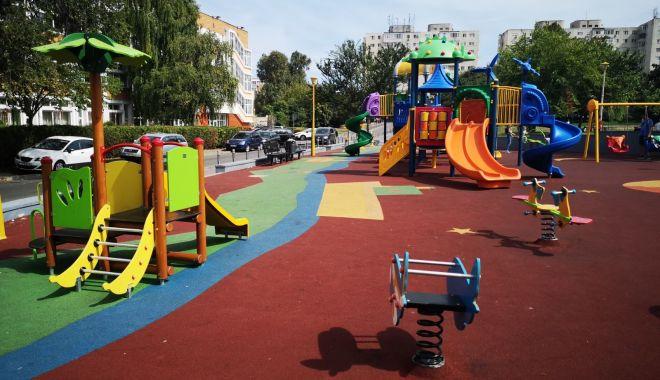 Foto: Administrația locală a finalizat reabilitarea primelor 25 de locuri de joacă din Constanța