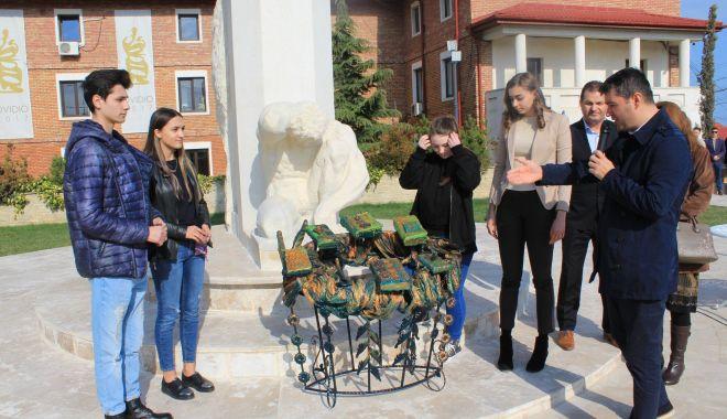 Foto: Administrația locală din Ovidiu a marcat nașterea poetului Ovidius
