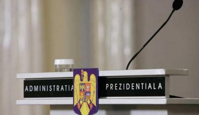 Foto: Iohannis aşteaptă partidele la consultări
