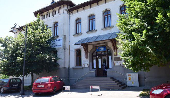 "Foto: Admitere la clasa a V-a, la Colegiul Naţional ""Mihai Eminescu"" din Constanţa"