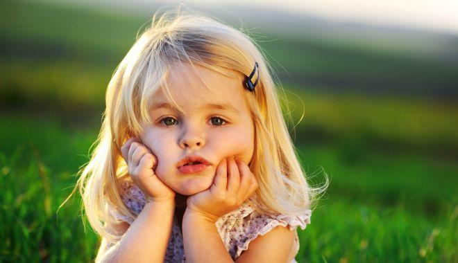 Foto: Adopţia unui copil. Cât durează procesul şi ce paşi sunt de urmat